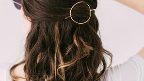 تسريحة دبابيس الشعر موضة سهلة اعتمديها في حر الصيف