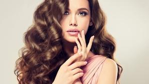 استخدامات مذهلة لخل التفاح للعناية بصحة شعرك