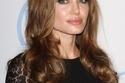 تاجُكِ: تسريحات وقصات وصبغات الممثلة الشهيرة أنجلينا جولي 1