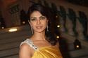 تسريحة شعر تبرز الجمال الهندي