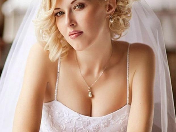 بالصور: لعروس أنيقة وجذابة إليك أجمل تسريحات شعر