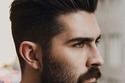 قصة شعر رجالي تعتمد على الشعر الطويل  مع تثبيته لفوق