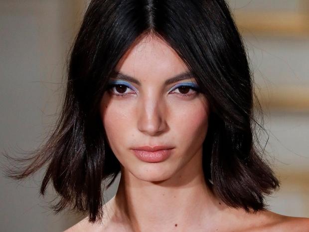 أفضل إطلالات تسريحات الشعر من عروض أزياء خريف 2022