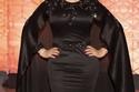 ريم عبدالله وإطلالة بفستان أسود وشعر منسدل