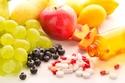 تناول الطعام الصحي والفيتامينات يحمي الشعر من التساقط