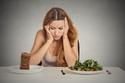 عدم تناول الغذاء الصحي يؤدي للشعر الجاف