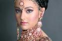 تسريحات هندية رفع مع اكسسوارت الشعر