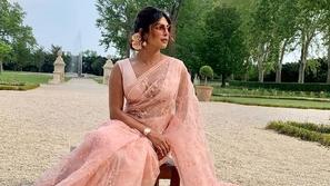 أجمل تسريحات الممثلات الهنديات بالصور