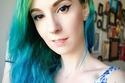 صبغات كريزي كلر - تمازج ما بين الأخضر من الأعلى والأزرق في النهايات