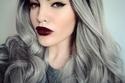 بالصور .. شعر الجدة الرمادي الفضي يعود لعالم الموضة