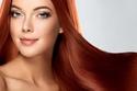 شعر مصبوغ باللون الأحمر