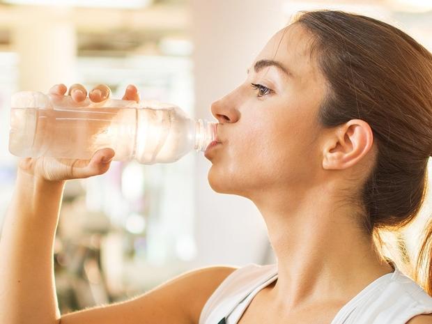 في يوم التروية: فوائد شرب الماء للشعر