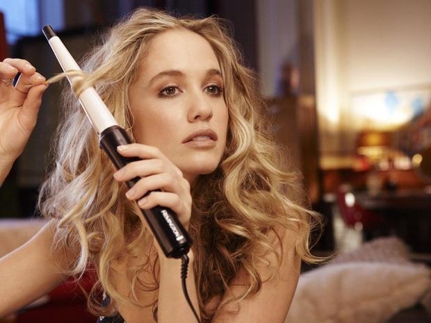 تكسير الشعر: كيفية الحصول على شعر كيرلي وموجات شاطئية في المنزل!