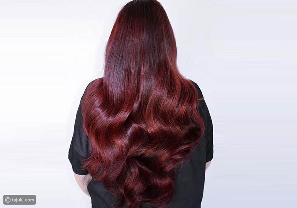 اللون القرمزي على الشعر