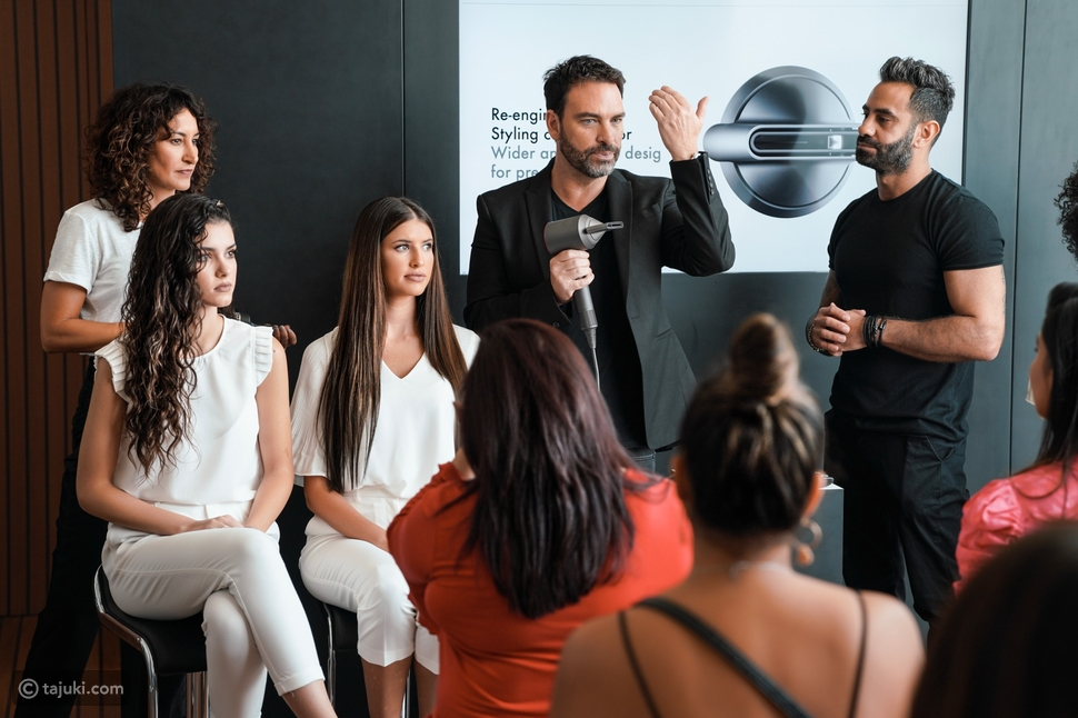 مجفف الشعر Dyson Supersonic™، خيارات متعددة للمرأة متعددة المهام