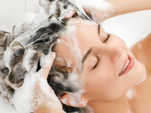 خلطات طبيعية لتنظيف فروة الرأس قبل عيد الفطر