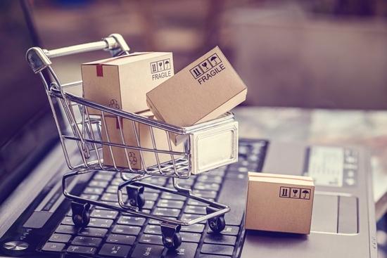 الانترنت يسهل عملية شراء منتج التسوق الإلكتروني باتت عملية شراء الاحتي